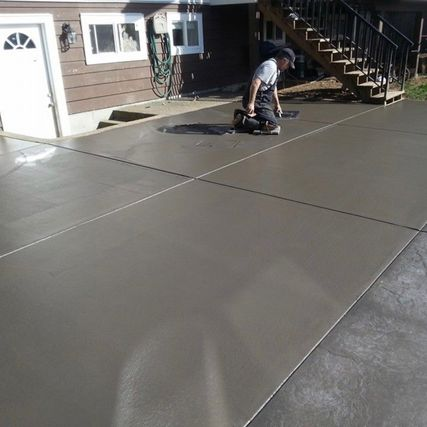 newly concrete layer constructed